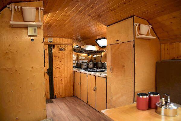 Мобильный дом с мебелью и оборудованием