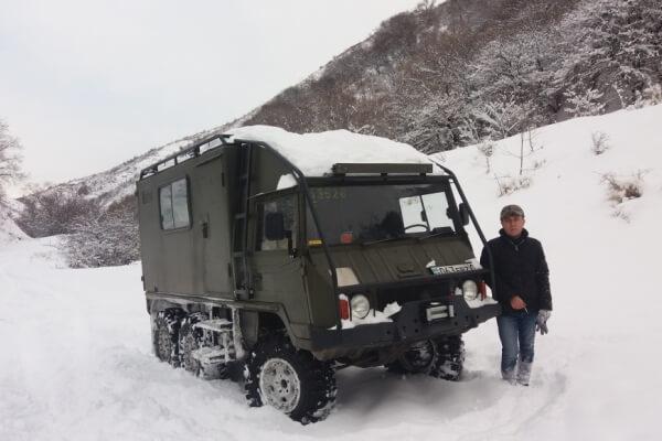 Экспедиционный внедорожник Pinzgauer 6x6 для зимы